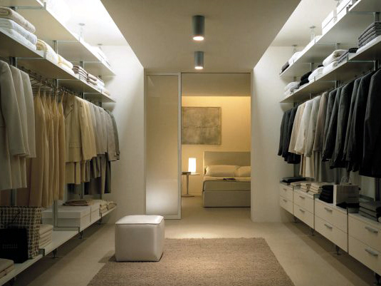 Шкафы становятся стенами