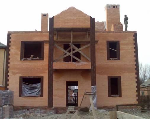 Как проходит современное строительство загородных домов?